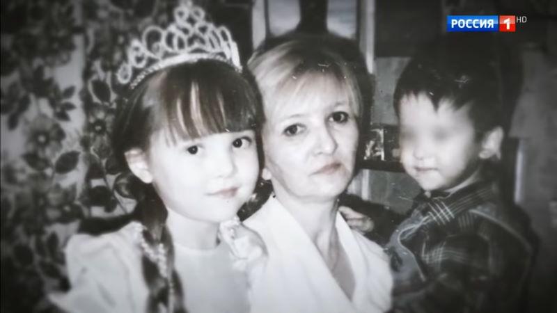 Андрей Малахов. Прямой эфир: выпуск 4.08.2020 – Мать 11 лет не выпускала троих детей из дома